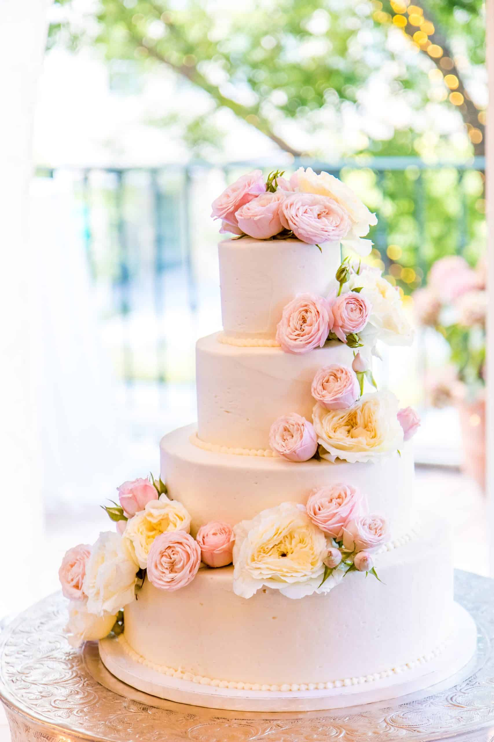 Some Weird Facts About Wedding Cake Designs